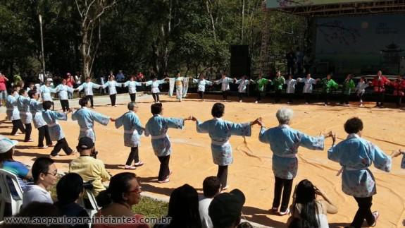 dança folclórica japonesa
