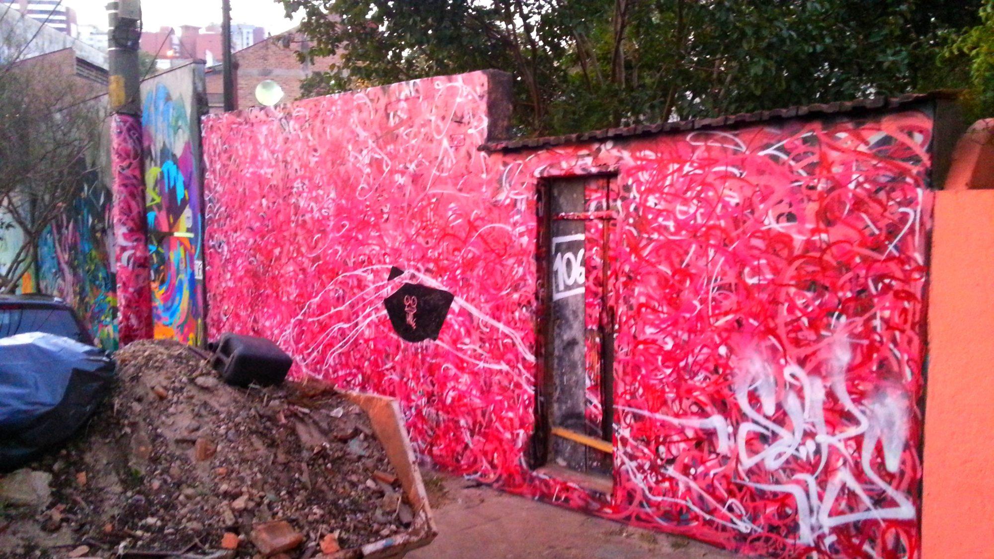 graffiti vermelho