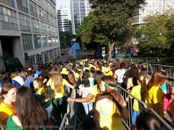 fila para entrar na fanfest