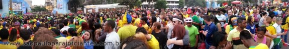 panoramica fan fest brasil colombia