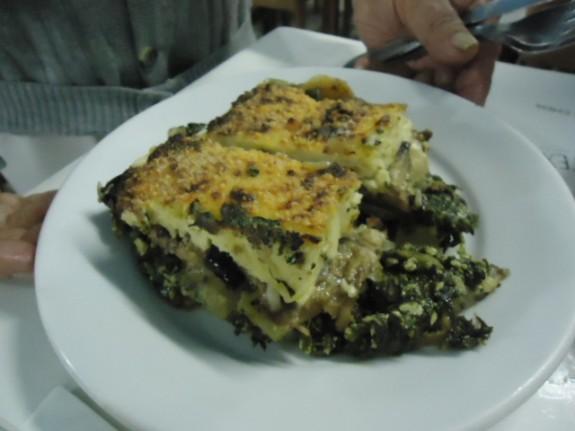 Mussaka de espinafre do Acrópole