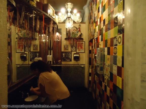 Banheiro Salve Jorge