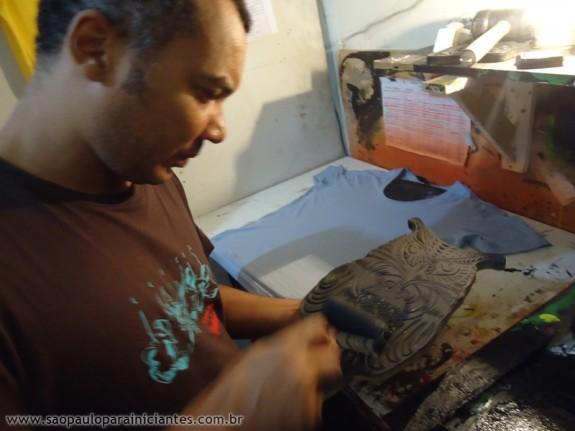 estampando camiseta