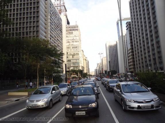 Carros e mais carros