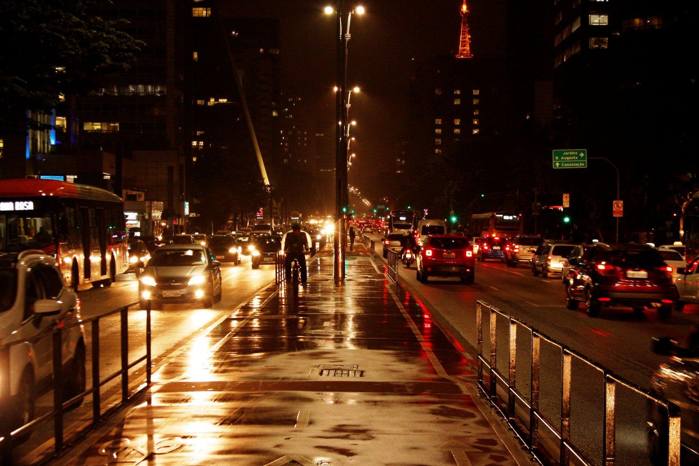 Avenida Paulista a noite