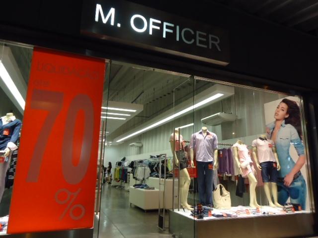 Algumas marcas estavam quase iguais ao preço do shopping, com uma diferença  de R 50 reais, outros estavam muito mais baratas. Os produtos são caros, ... 2c59037c3b