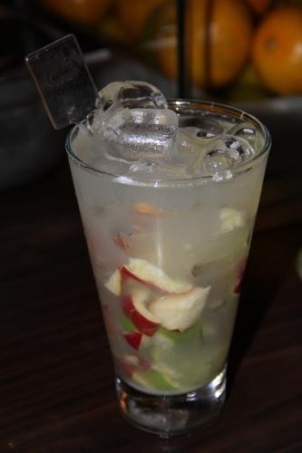 Caipirinha de Caju com limão